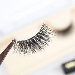 How to choose false mink eyelashesaccording tomakeup